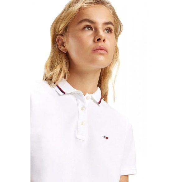 Tommy Jeans női galléros póló csíkozott gallérral fehér színben