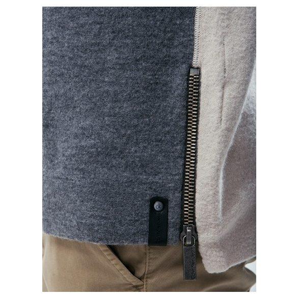 e7c519e752 Calvin Klein Jeans férfi gyapjú pulóver szürke és ecru színben ...